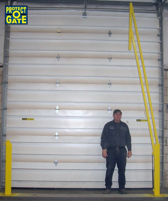 Loading dock gates loading bay fall protection equipment loading protect o gate loading dock industrial safety gates prevent falls from happening the benko products safety experts can help you customize a loading dock sciox Image collections